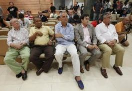 La nueva cúpula del club, en pleno en la presentación de los fichajes Prensa-noticias-201209-04-fotos-13874405-264xXx80